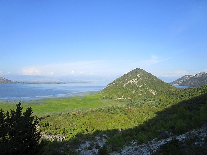 http://www.bahnreiseberichte.de/093-Montenegro/93-050Skutarisee.JPG