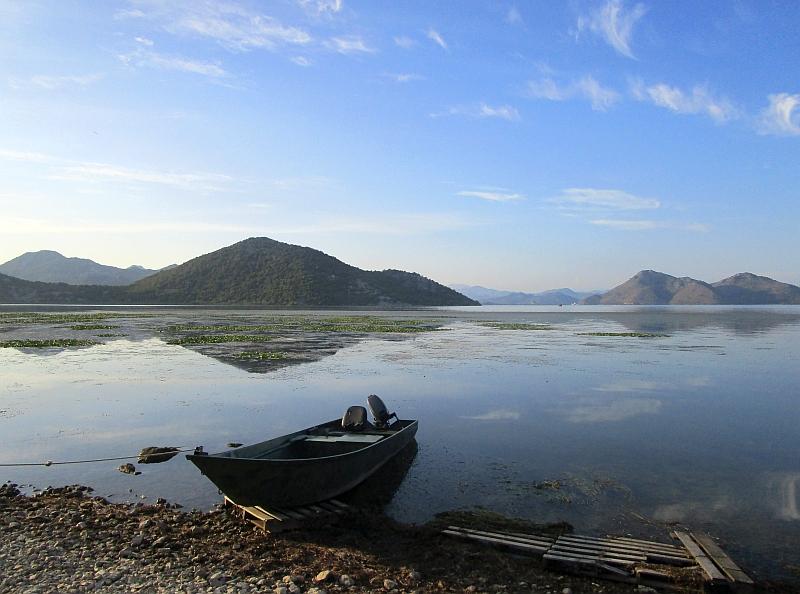 http://www.bahnreiseberichte.de/093-Montenegro/93-052Skutarisee-Ufer.JPG