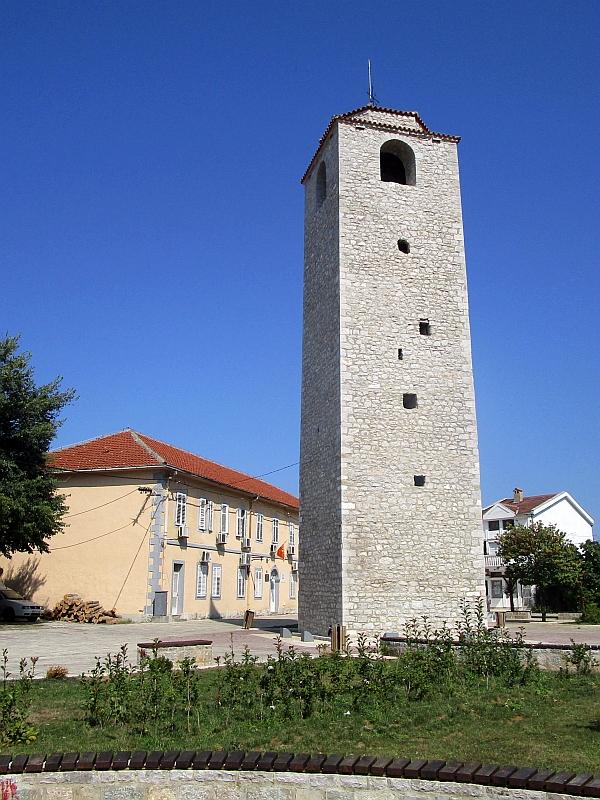 http://www.bahnreiseberichte.de/093-Montenegro/93-065Podgorica-Sahat-Kula.JPG