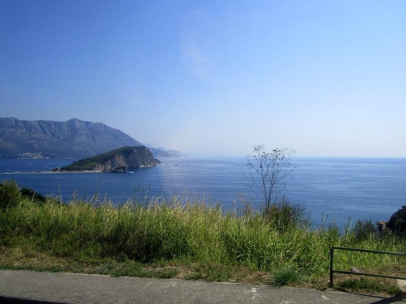 http://www.bahnreiseberichte.de/093-Montenegro/93-070Fahrt-Bus-Kueste.JPG