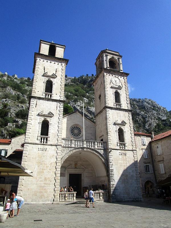 http://www.bahnreiseberichte.de/093-Montenegro/93-073Kotor-Sankt-Tryphon-Kathedrale.JPG
