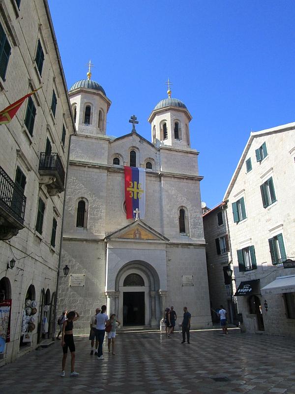 http://www.bahnreiseberichte.de/093-Montenegro/93-075Kotor-Kirche-Nikolaus.JPG