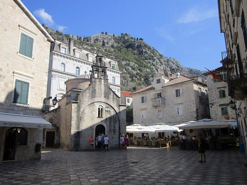 http://www.bahnreiseberichte.de/093-Montenegro/93-082Kotor-St-Lukas.JPG