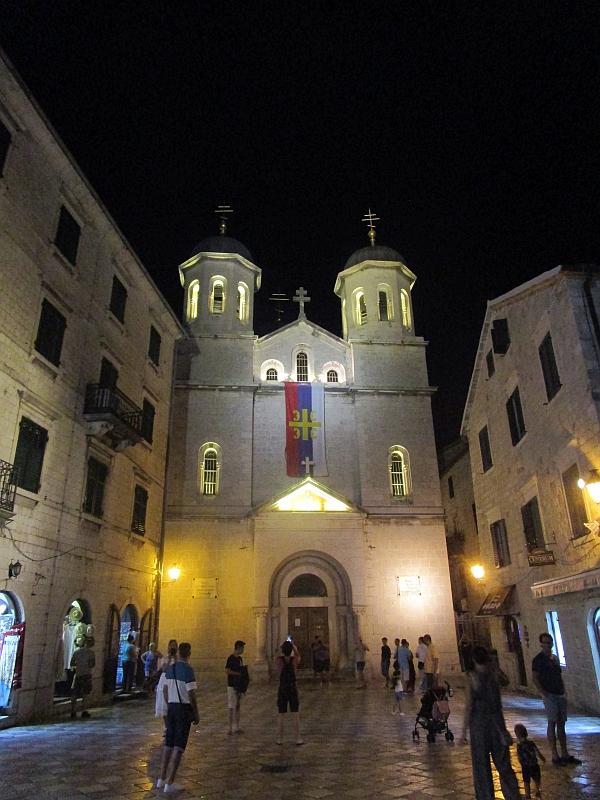 http://www.bahnreiseberichte.de/093-Montenegro/93-084Kotor-Kirche-Nikolaus.JPG