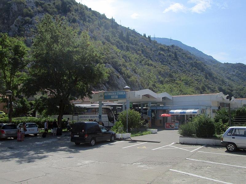 http://www.bahnreiseberichte.de/093-Montenegro/93-088Kotor-Busbahnhof.JPG