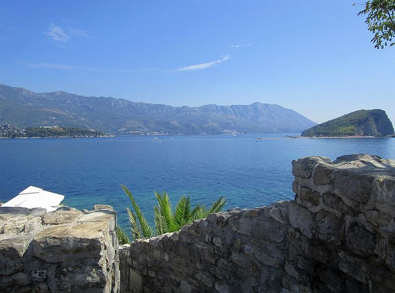 http://www.bahnreiseberichte.de/093-Montenegro/93-097Budva-Sveti-Nikola.JPG