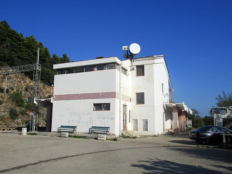 http://www.bahnreiseberichte.de/093-Montenegro/93-101Sutomore-Bahnhof.JPG