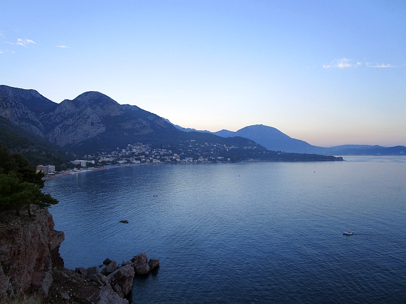 http://www.bahnreiseberichte.de/093-Montenegro/93-103Sutomore-Bucht.JPG