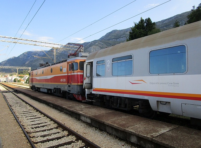 http://www.bahnreiseberichte.de/093-Montenegro/93-107IC-Tara-Sutomore-Wagen.JPG