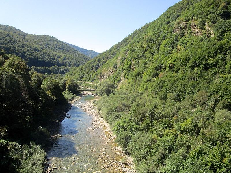 http://www.bahnreiseberichte.de/093-Montenegro/93-118Fahrt-Tara-Kraljevo-Kolo.JPG