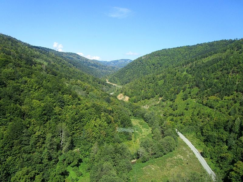 http://www.bahnreiseberichte.de/093-Montenegro/93-119Slijepac-Bruecke-Ljubovida.JPG