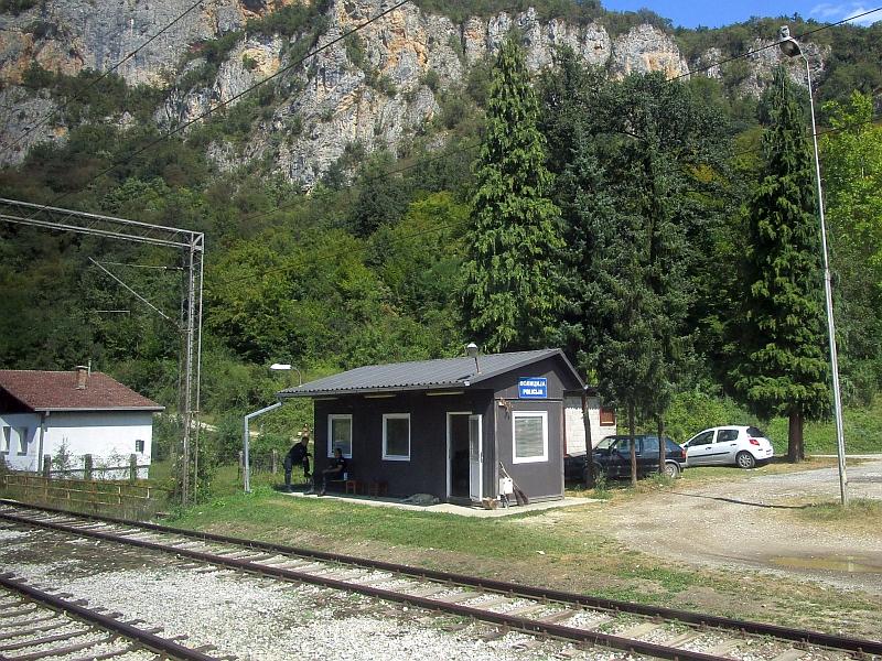 http://www.bahnreiseberichte.de/093-Montenegro/93-121Vrbnica-Grenze.JPG