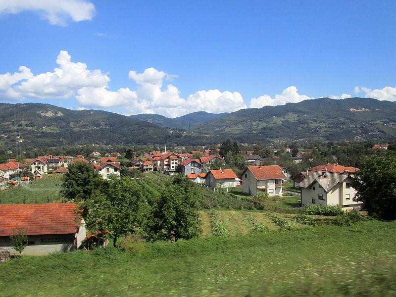http://www.bahnreiseberichte.de/093-Montenegro/93-123Fahrt-Kovacevac.JPG