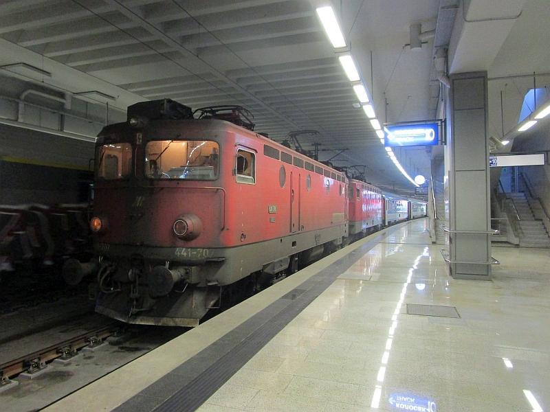 http://www.bahnreiseberichte.de/093-Montenegro/93-134ZS-441-Belgrad.JPG