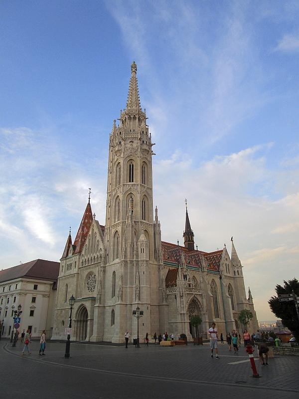 http://www.bahnreiseberichte.de/093-Montenegro/93-157Budapest-Matthiaskirche.JPG