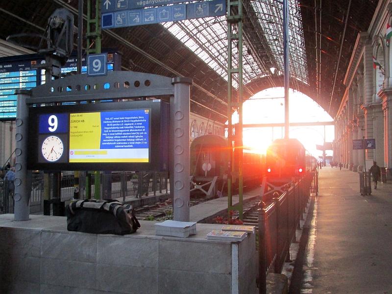 http://www.bahnreiseberichte.de/093-Montenegro/93-162Budapest-Keleti-Halle.JPG