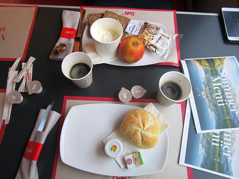 http://www.bahnreiseberichte.de/093-Montenegro/93-166DoN-Railjet-Fruehstueck.JPG