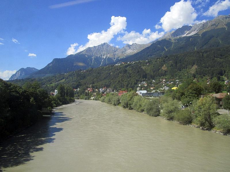 http://www.bahnreiseberichte.de/093-Montenegro/93-173Fahrt-Inn-Innsbruck.JPG