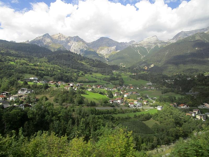 http://www.bahnreiseberichte.de/093-Montenegro/93-174Fahrt-Arlbergstrecke.JPG