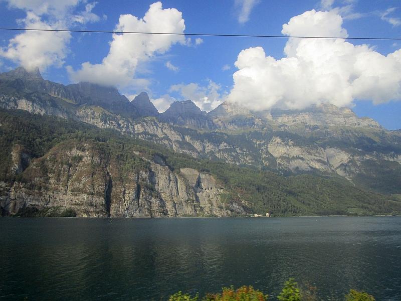 http://www.bahnreiseberichte.de/093-Montenegro/93-177Fahrt-Walensee.JPG