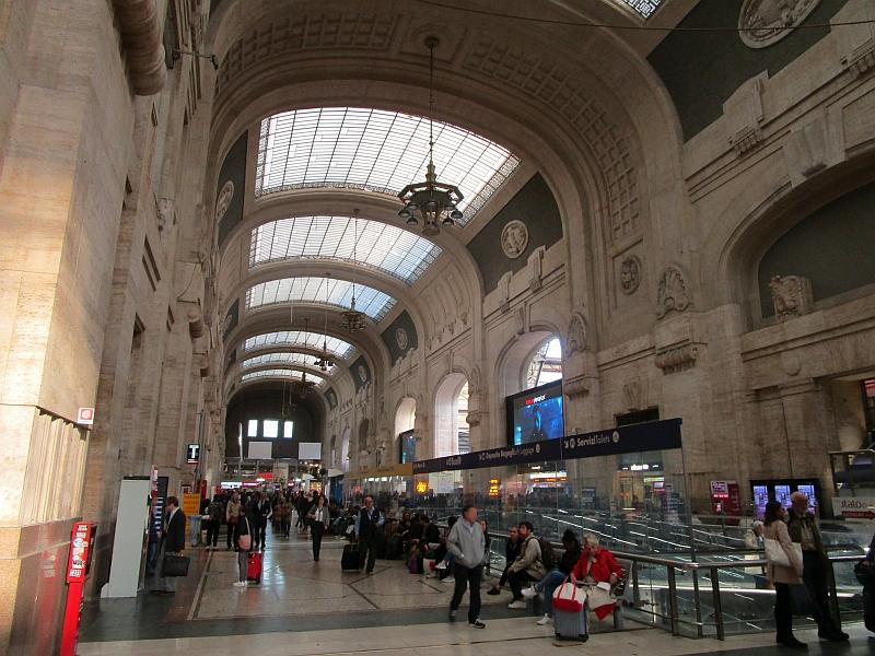 http://www.bahnreiseberichte.de/094-Serfaus-Mantua-Centovalli/94-103Milano-Centrale-Halle.JPG