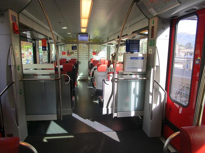 http://www.bahnreiseberichte.de/094-Serfaus-Mantua-Centovalli/94-107Tilo-Flirt-1Klasse.JPG