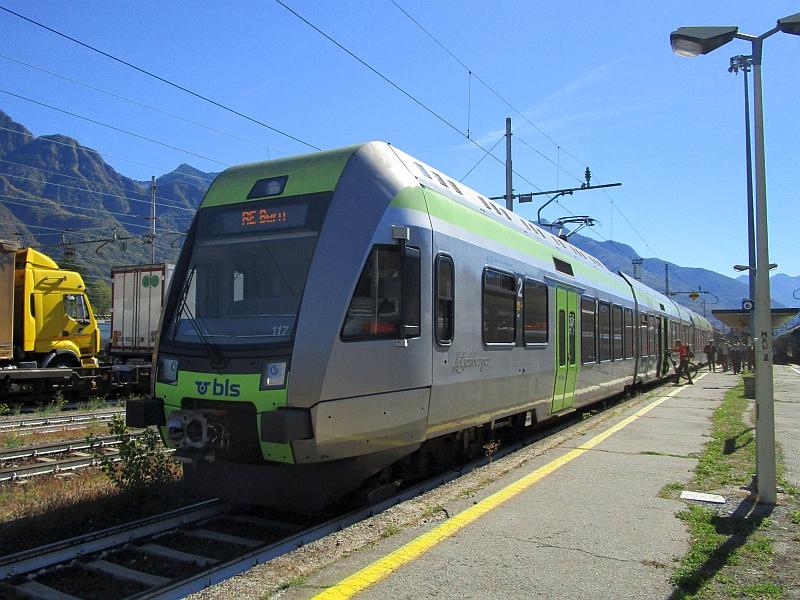 http://www.bahnreiseberichte.de/094-Serfaus-Mantua-Centovalli/94-130BLS-Loetschberger-Domodossola.JPG