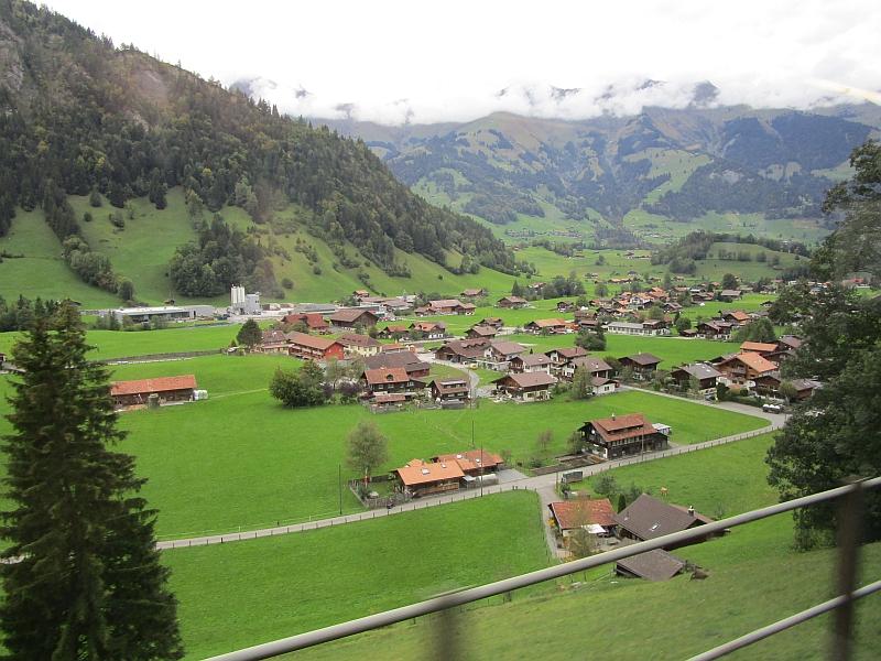 http://www.bahnreiseberichte.de/094-Serfaus-Mantua-Centovalli/94-136Fahrt-Frutigen-Kandertal.JPG