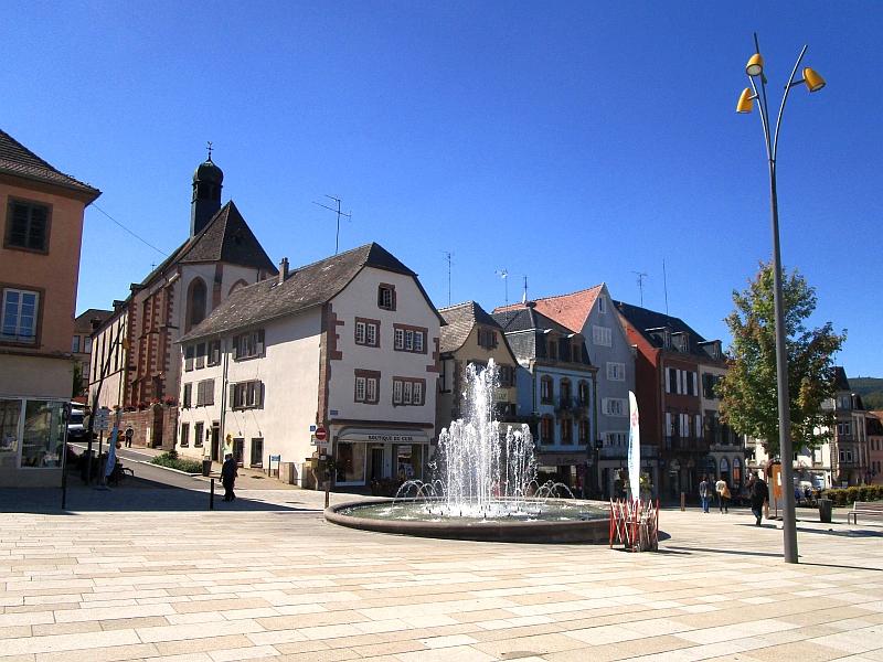 http://www.bahnreiseberichte.de/097-Taunus-Saar-Elsass/97-157Saverne-Eglise-Recollets.JPG