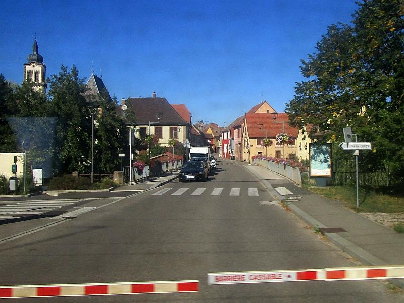 http://www.bahnreiseberichte.de/097-Taunus-Saar-Elsass/97-167Fahrt-Dettwiller.JPG