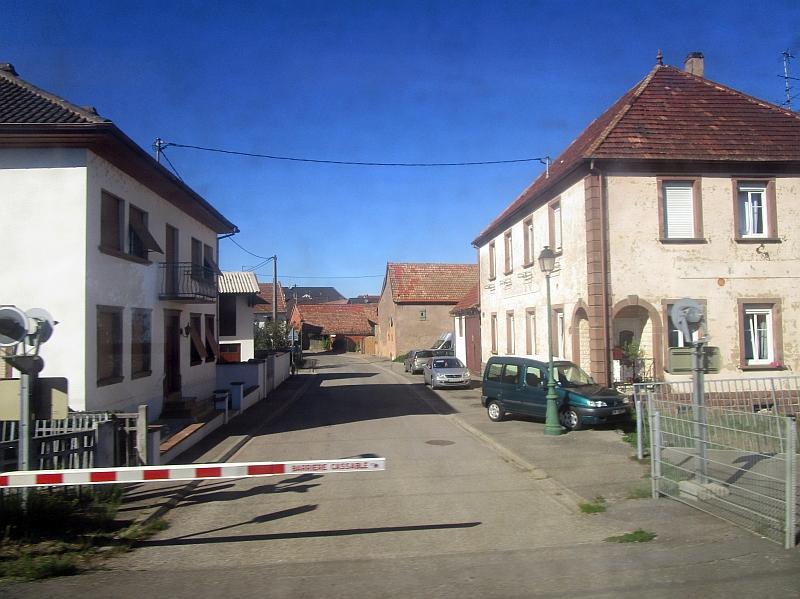 http://www.bahnreiseberichte.de/097-Taunus-Saar-Elsass/97-169Fahrt-Wilwisheim.JPG