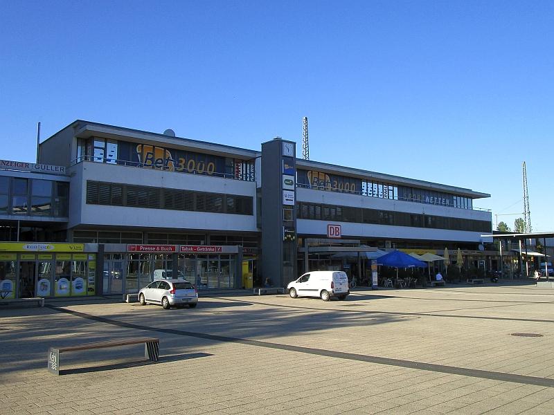 http://www.bahnreiseberichte.de/097-Taunus-Saar-Elsass/97-179Kehl-Bahnhof.JPG