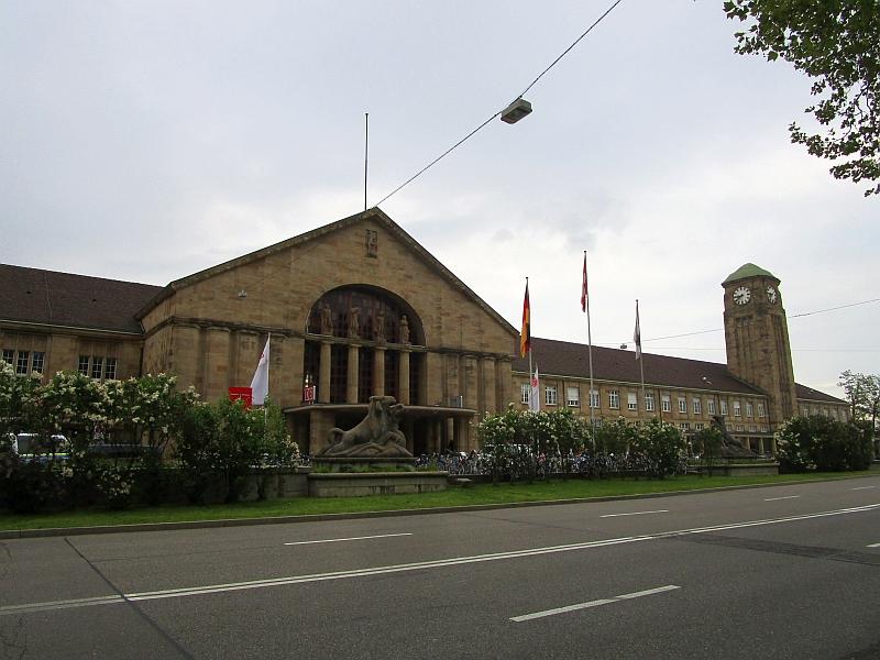 http://www.bahnreiseberichte.de/098-Triregio-Basel/98-001Basel-Badischer-Bahnhof.JPG