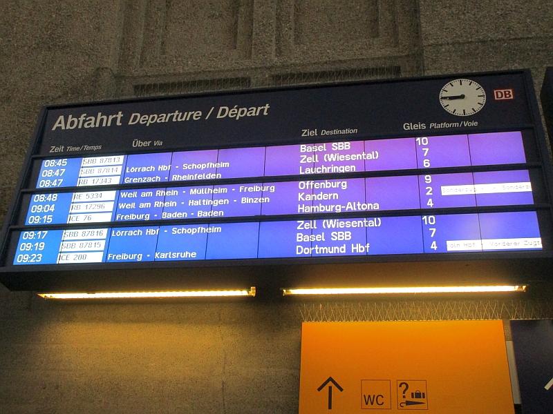 http://www.bahnreiseberichte.de/098-Triregio-Basel/98-002Basel-Fahrplan-Kandern.JPG