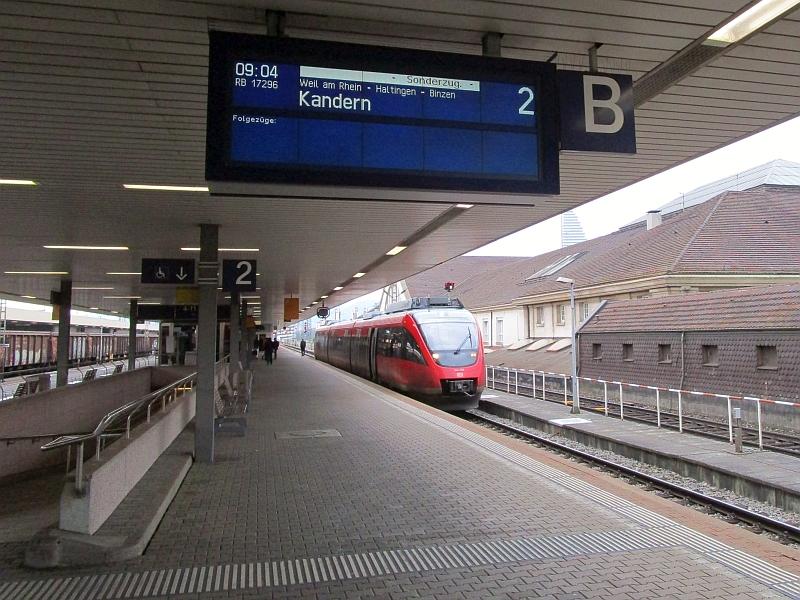 http://www.bahnreiseberichte.de/098-Triregio-Basel/98-003Talent-Basel-Sonderzug.JPG