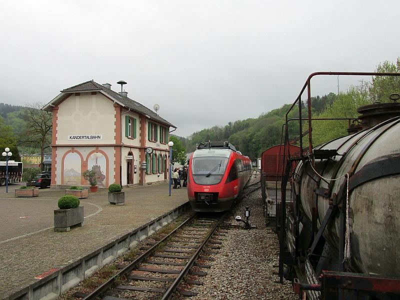 http://www.bahnreiseberichte.de/098-Triregio-Basel/98-011Talent-Kandern.JPG