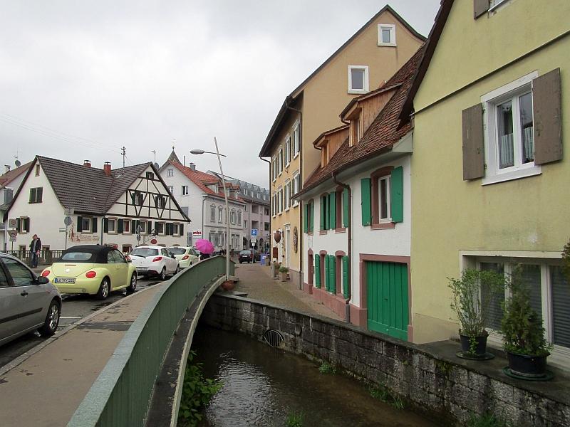 http://www.bahnreiseberichte.de/098-Triregio-Basel/98-015Kandern-Lippisbach.JPG
