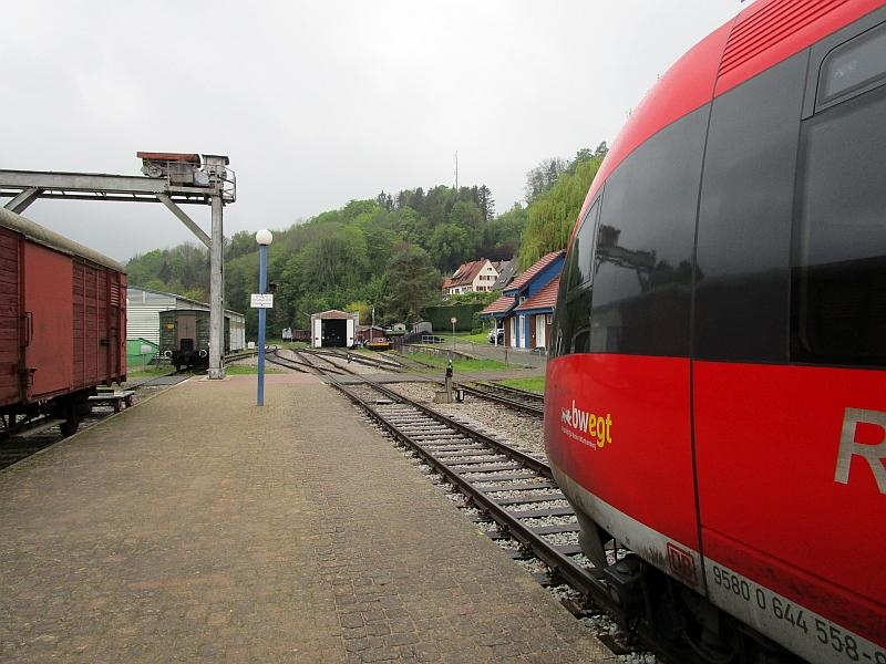 http://www.bahnreiseberichte.de/098-Triregio-Basel/98-017Kandern-Ausfahrt.JPG