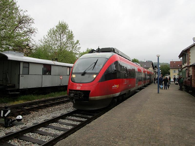 http://www.bahnreiseberichte.de/098-Triregio-Basel/98-018Talent-Kandern.JPG