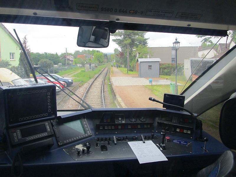 http://www.bahnreiseberichte.de/098-Triregio-Basel/98-027Binzen-Haltepunkt.JPG