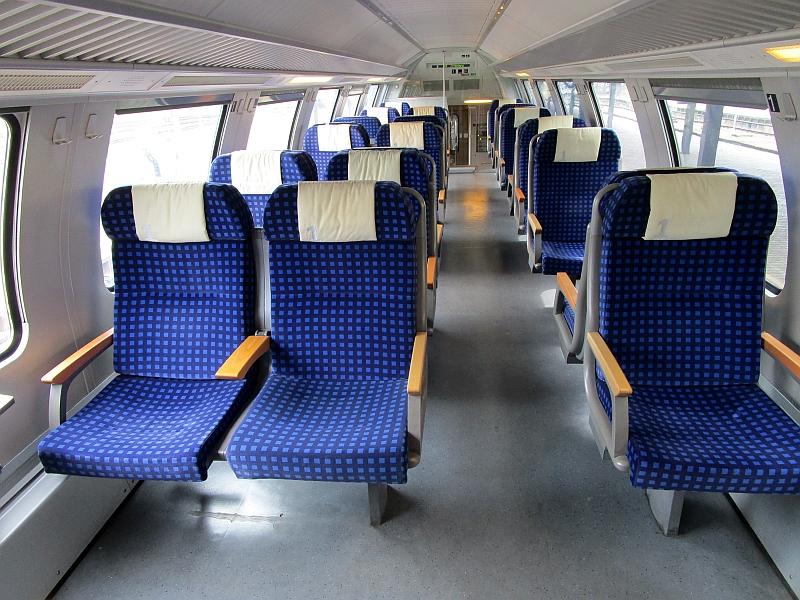 http://www.bahnreiseberichte.de/098-Triregio-Basel/98-034RE-Rheintalbahn-1Klasse.JPG