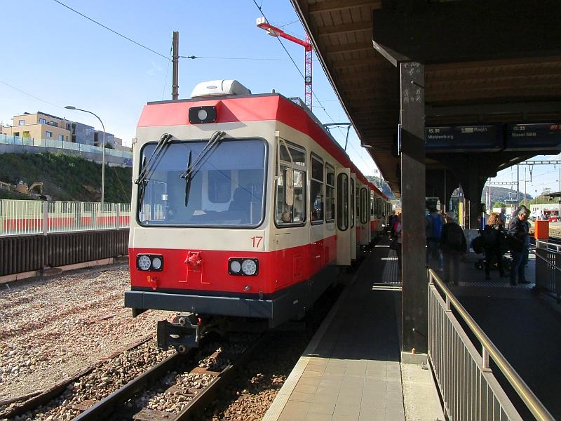 http://www.bahnreiseberichte.de/098-Triregio-Basel/98-071Waldenburgerbahn-Liestal.JPG