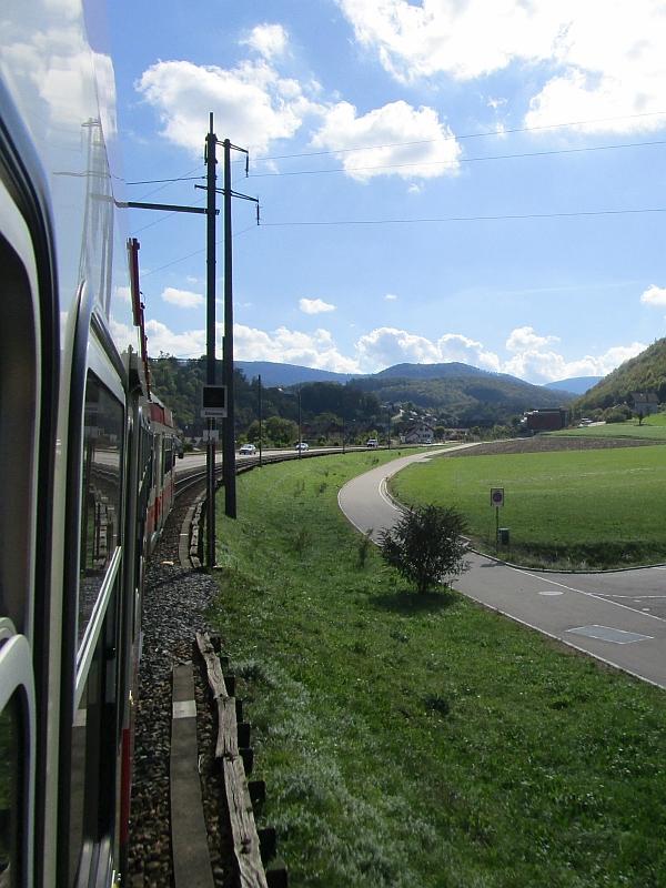 http://www.bahnreiseberichte.de/098-Triregio-Basel/98-076Fahrt-Waldenburgerbahn-Frenkental.JPG