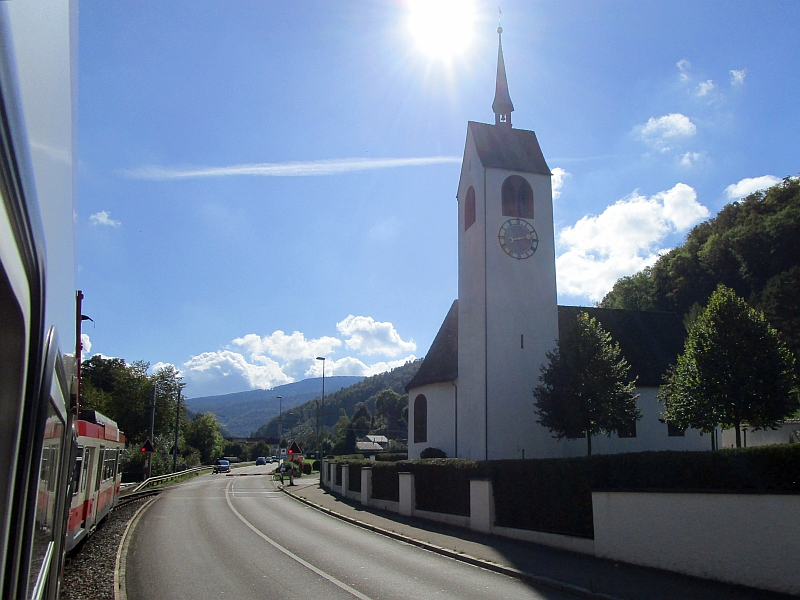 http://www.bahnreiseberichte.de/098-Triregio-Basel/98-079Fahrt-Oberdorf-St-Peter.JPG