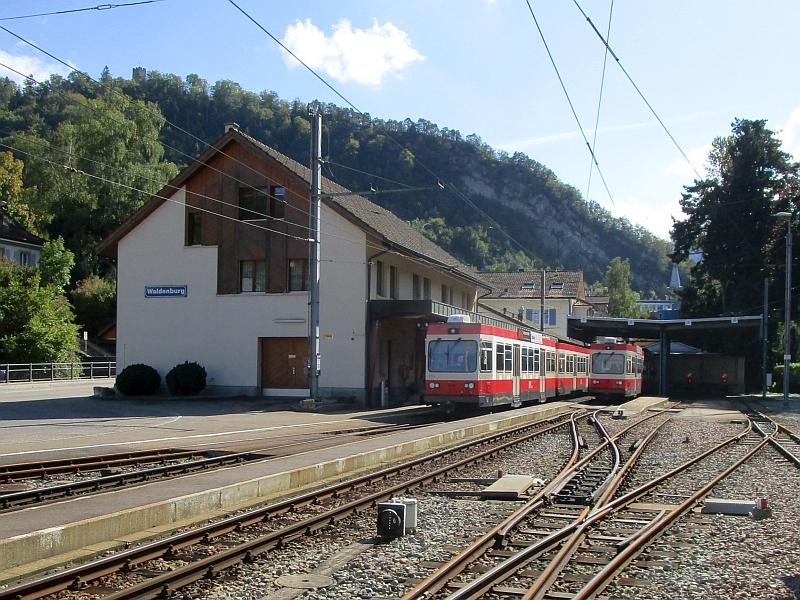 http://www.bahnreiseberichte.de/098-Triregio-Basel/98-082Waldenburg-Bahnhof.JPG