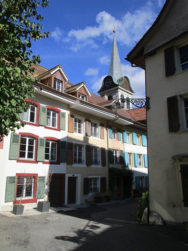http://www.bahnreiseberichte.de/098-Triregio-Basel/98-085Waldenburg-Stadtkern.JPG