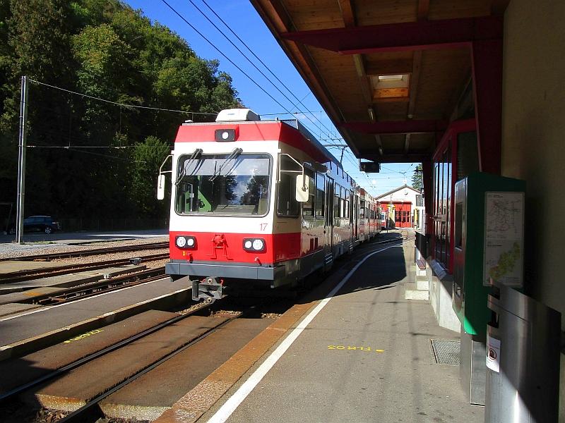 http://www.bahnreiseberichte.de/098-Triregio-Basel/98-089Waldenburgerbahn-Triebwagen-17.JPG