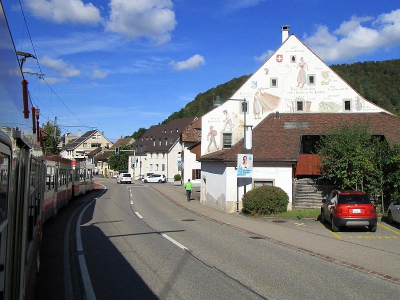 http://www.bahnreiseberichte.de/098-Triregio-Basel/98-091Fahrt-Waldenburgerbahn-Oberdorf.JPG