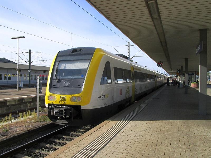 http://www.bahnreiseberichte.de/098-Triregio-Basel/98-101BR612-Basel-Bad.JPG